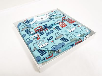 Picture of Designer set with baby blanket size 100x80cm, body size 62 and bib - Blue cars