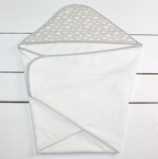 Picture of Bamboo hooded towel 90x90cm - Beige clouds